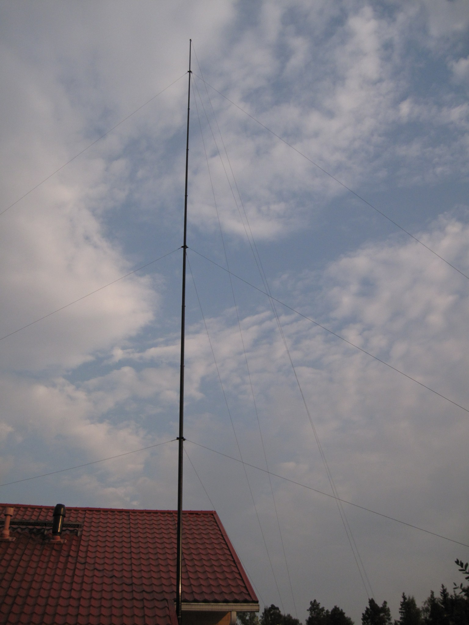 The 26 m Spiderpole is shortened to 20+m by taking off three top sections